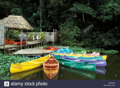 los-barcos-la-laguna-de-catemaco-veracruz-mexico-axaaw2.jpg